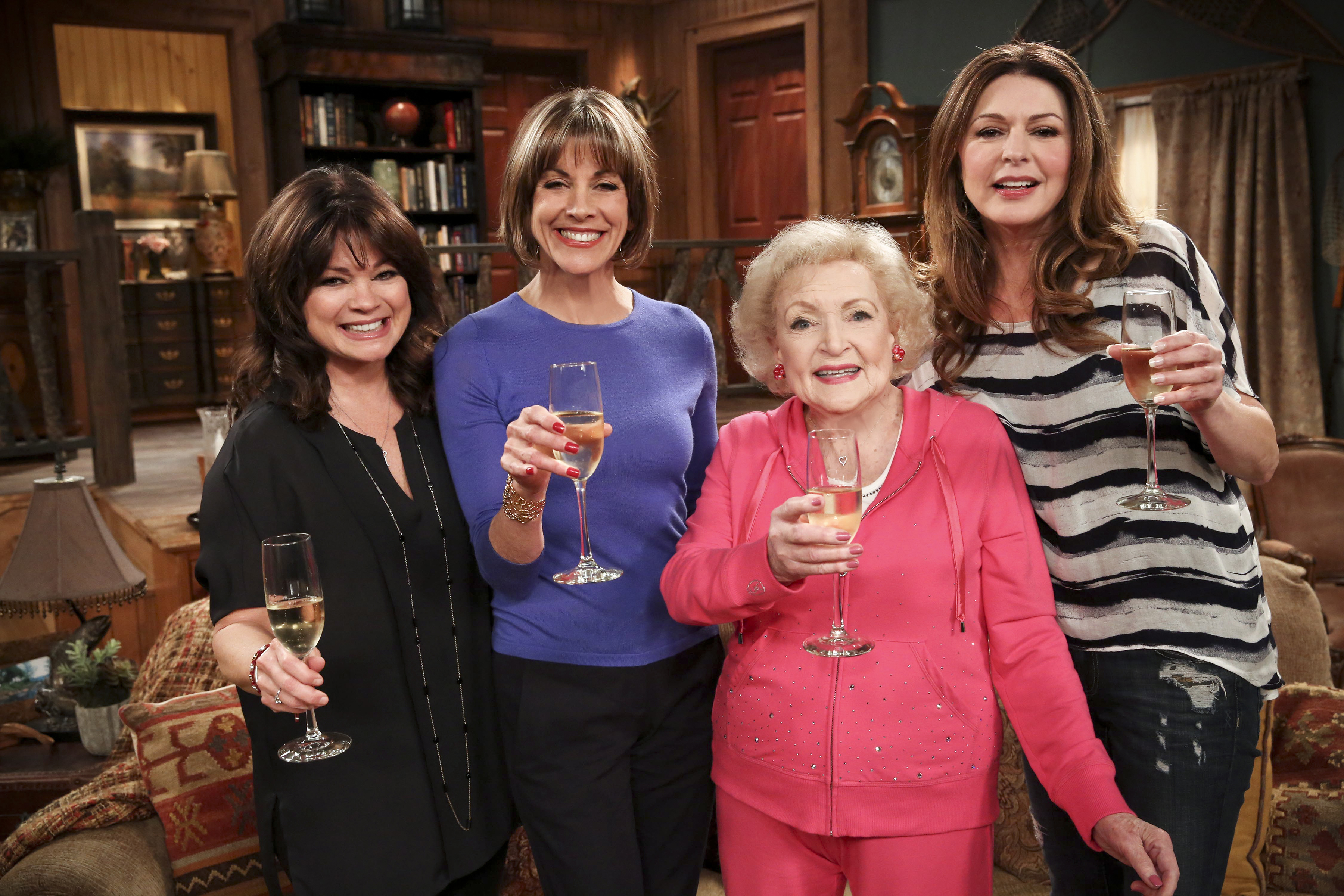 Wendie Malick, Jane Leeves, Valerie Bertinelli and Betty White